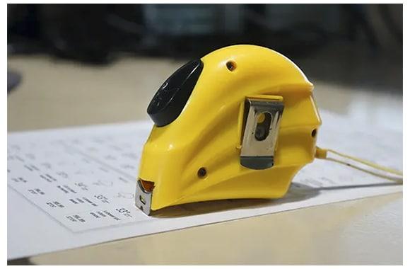 Measure tape guide
